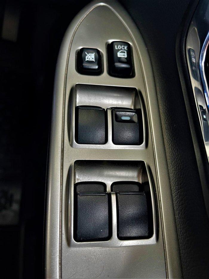 2017 Mitsubishi Pajero GLX NX MY18 4X4 Dual Range Warm White