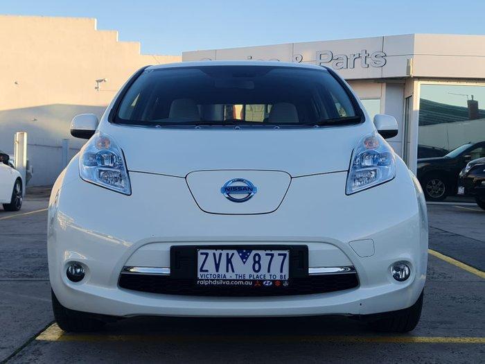 2013 Nissan LEAF AZE0 White