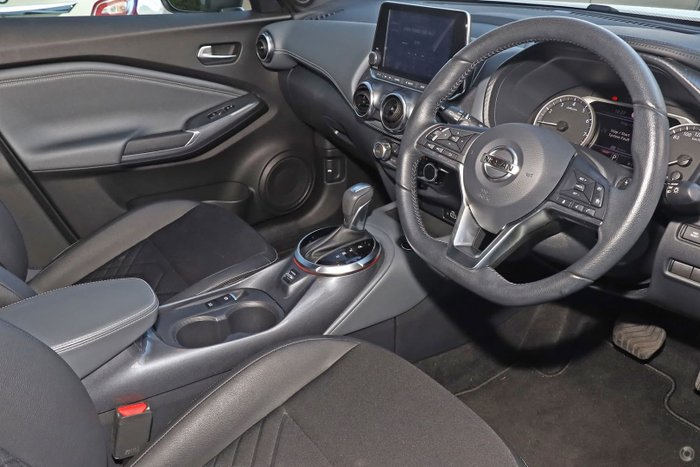 2020 Nissan JUKE ST-L F16 Ivory Pearl