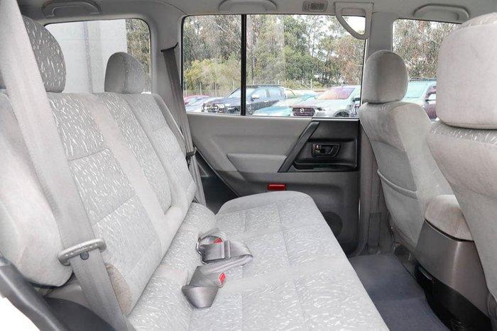 2001 Mitsubishi Pajero GLX NM 4X4 White Solid
