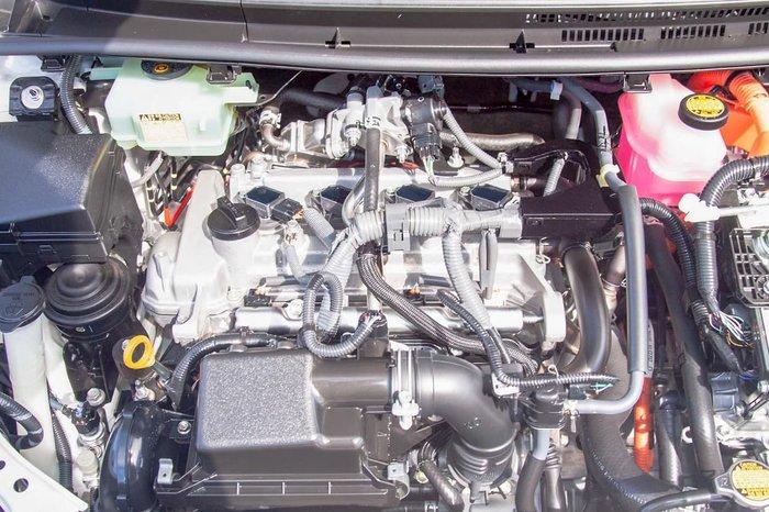 2014 Toyota Prius C NHP10R White