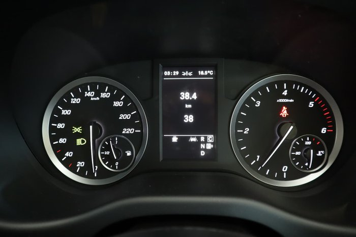 2021 Mercedes-Benz Valente 116CDI 447 Selenite Grey