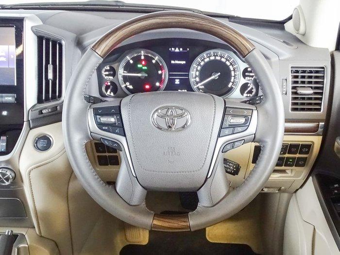 2020 Toyota Landcruiser Sahara VDJ200R 4X4 Dual Range Glacier White