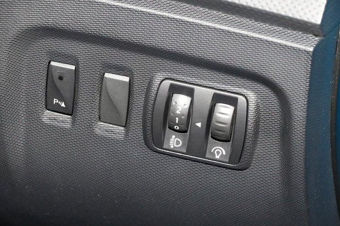 2016 Renault Captur Expression J87 Blue