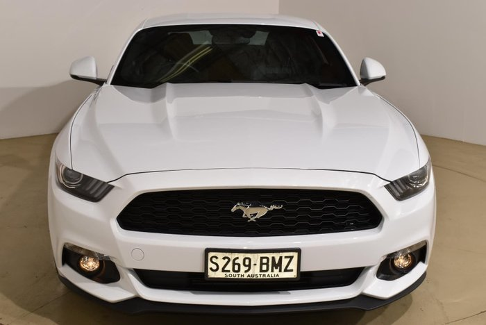 2016 Ford Mustang FM Oxford White