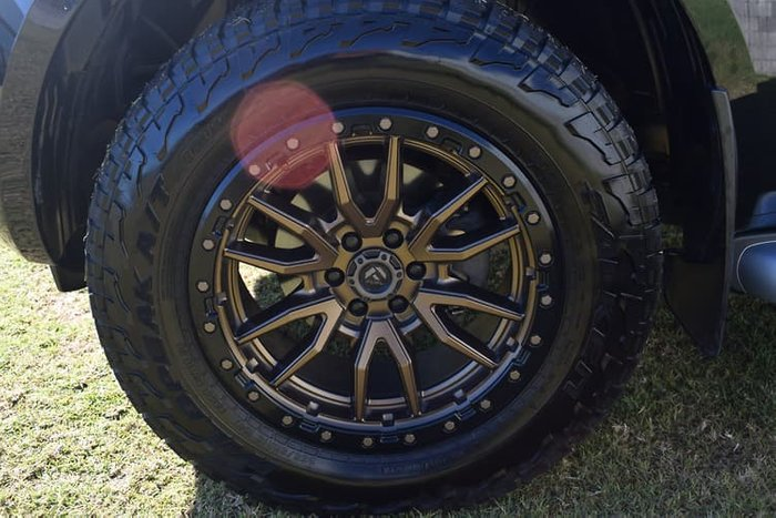 2017 Nissan Navara ST-X D23 Series 2 4X4 Dual Range Cosmic Black