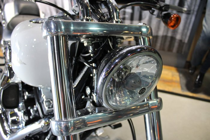 2016 Harley-davidson FXSB SOFTAIL BREAKOUT White