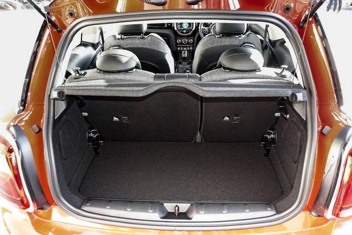 2020 MINI Hatch Cooper Signature F56 LCI Solaris Orange