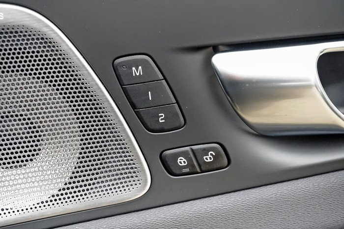 2021 Volvo XC60 T8 Polestar MY21 4X4 On Demand Black