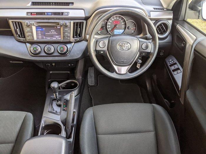 2017 Toyota RAV4 GX ZSA42R White