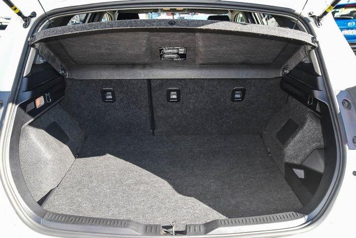 2017 Toyota Corolla Hybrid ZWE186R White