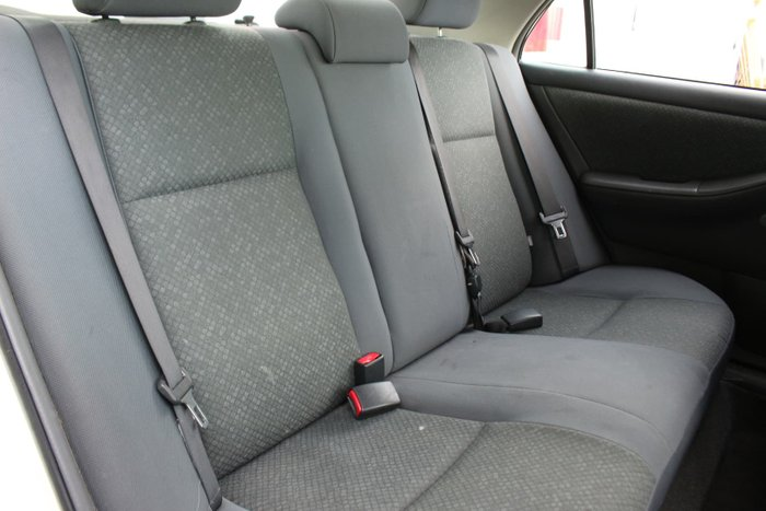 2005 Toyota Corolla Ascent ZZE122R Glacier White