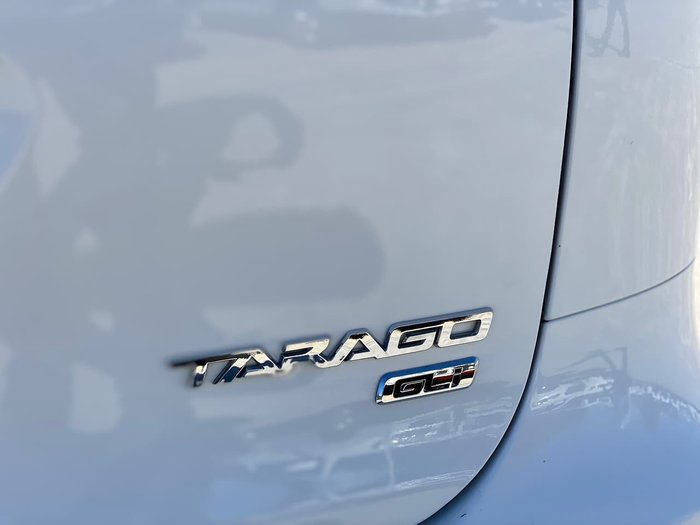 2014 TOYOTA TARAGO GLi ACR50R White