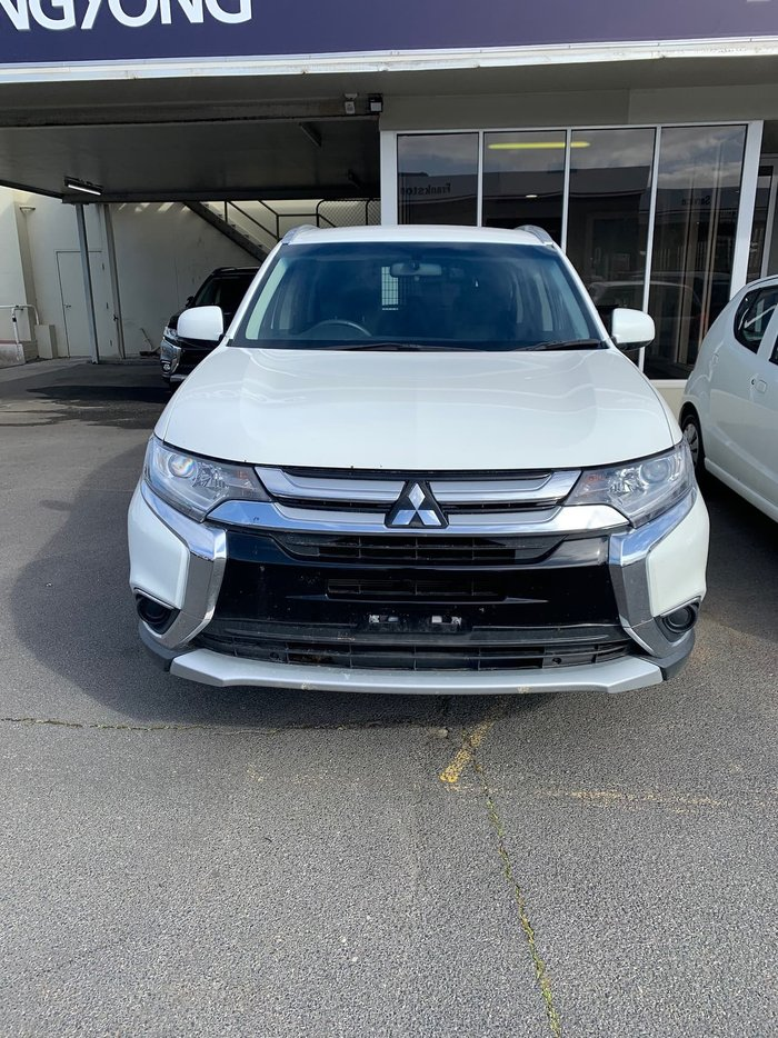 2018 Mitsubishi Outlander ES ZL MY18.5 White