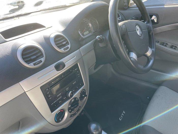 2006 Holden Viva JF Arctic White