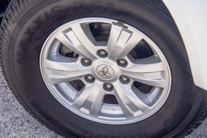 2013 Mitsubishi Triton GLX MN MY14 4X4 Dual Range White