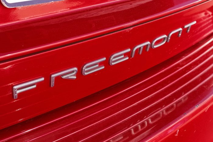 2014 Fiat Freemont Urban JF Red