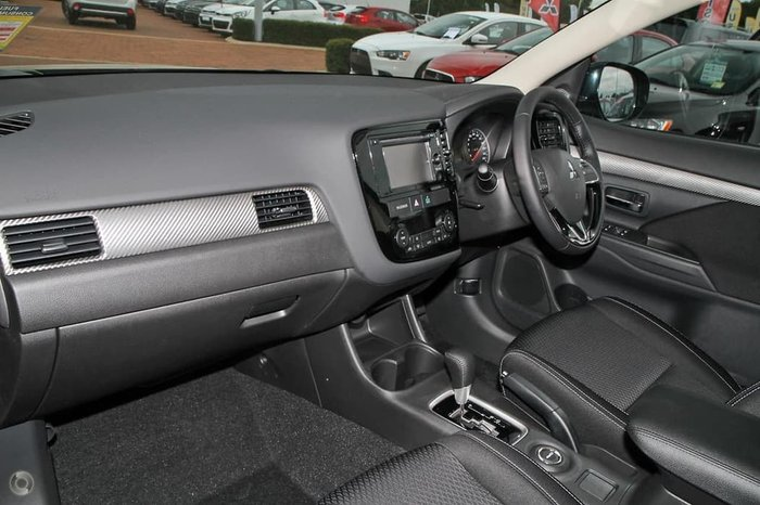 2016 Mitsubishi Outlander LS ZK MY17 White