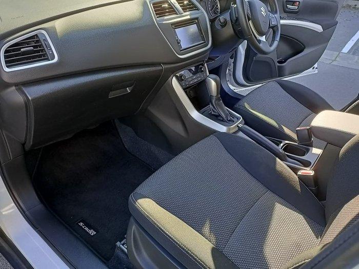 2015 Suzuki S-Cross GLX JY White