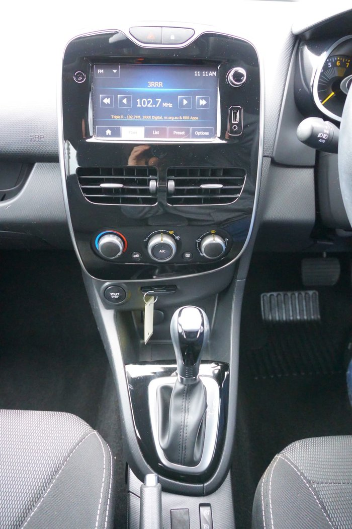 2015 Renault Clio Expression IV B98 White