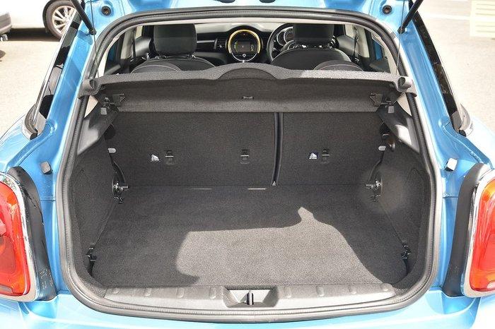 2016 MINI Hatch Cooper F55 Blue