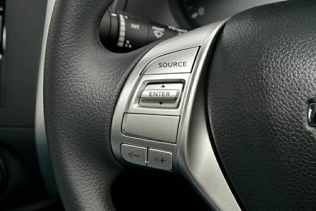 2018 Nissan Navara RX D23 Series 3 POLAR WHITE