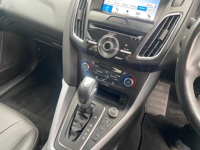 2017 Ford Focus Titanium LZ White