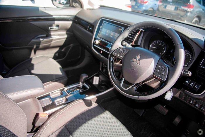 2021 Mitsubishi Outlander ES ZL MY21 Silver