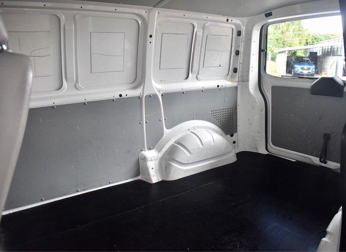 2011 Volkswagen Transporter Crew T5 MY11 White