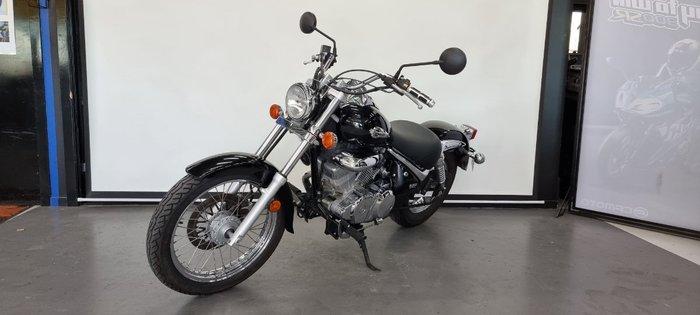 2010 Suzuki VL250 (LC250 INTRUDER) Black