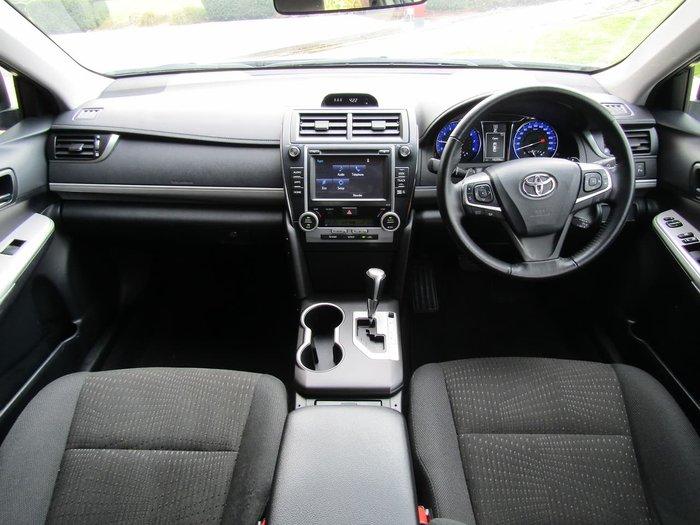 2017 Toyota Camry Atara S ASV50R White