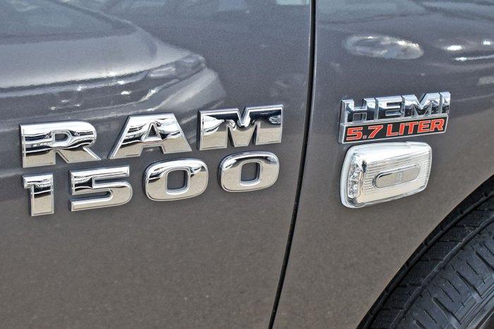 2018 RAM 1500 Express DS MY18 4X4 Dual Range Granite Crystal
