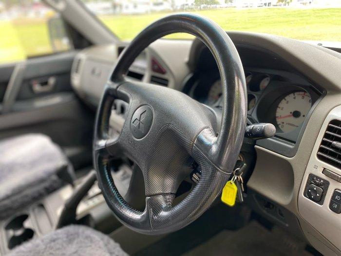 2005 Mitsubishi Pajero GLS NP MY05 4X4 Silver