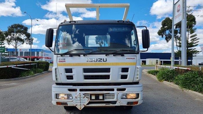 2009 ISUZU GIGA WHITE