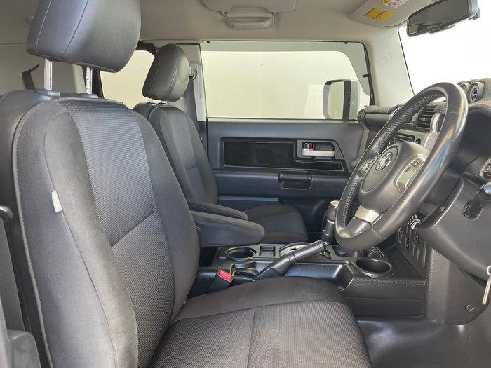 2013 Toyota FJ Cruiser GSJ15R MY14 4X4 Dual Range Black