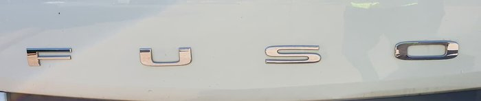 2015 FUSO CANTER WHITE