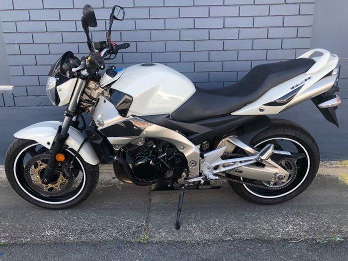 2009 SUZUKI GSR600 White