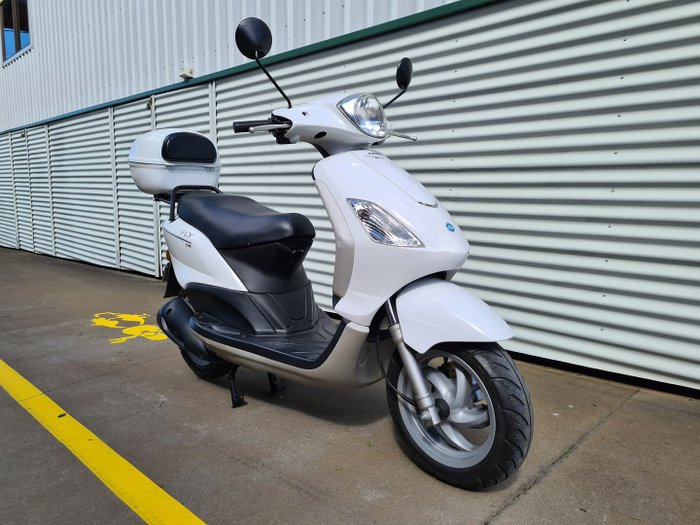 2008 Piaggio Fly 125 Fly White