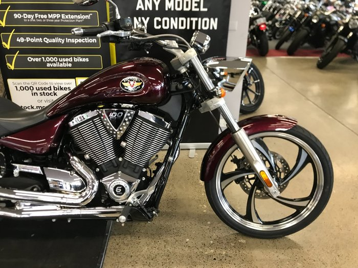 2010 VICTORY VEGAS LOW Red