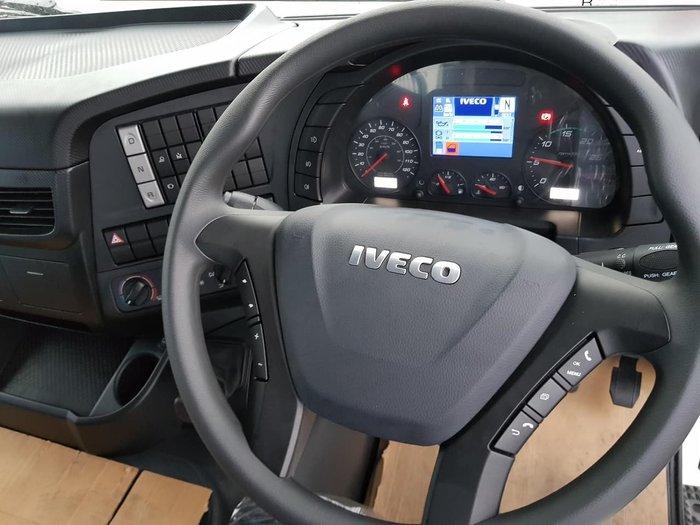 2021 IVECO STRALIS white