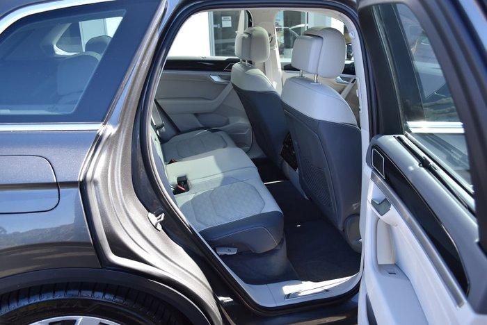 2020 Volkswagen Touareg 210TDI Elegance CR MY21 Four Wheel Drive Silicone Grey