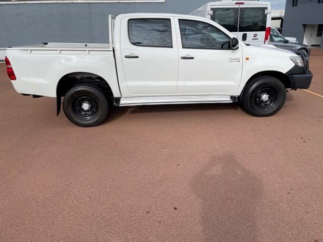 2013 Toyota Hilux SR KUN26R MY12 4X4 Glacier White