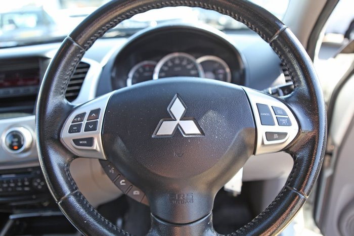 2013 Mitsubishi Triton GLX-R MN MY13 4X4 Dual Range White