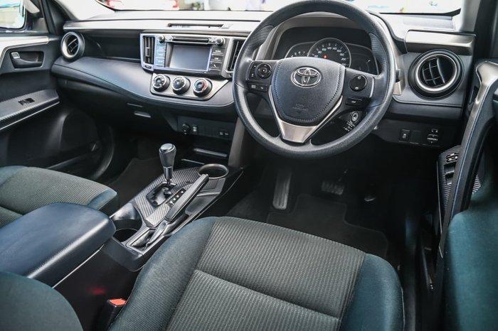 2015 Toyota RAV4 GX ZSA42R White