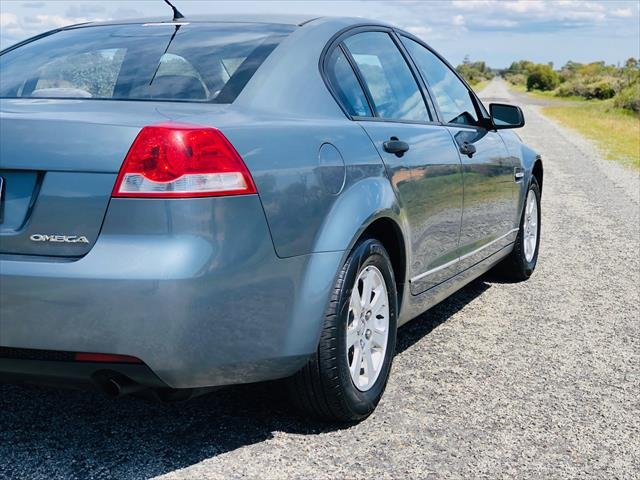 2006 Holden Commodore Omega VE Silver