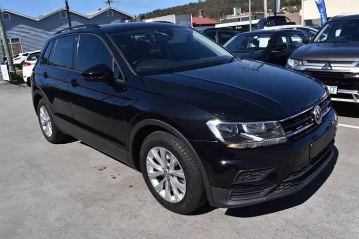 2016 Volkswagen Tiguan 110TSI Trendline 5N MY17 Deep Black