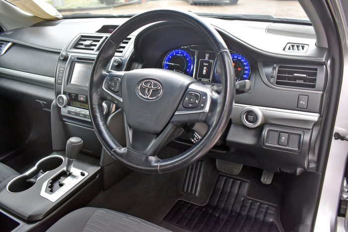 2016 Toyota Camry RZ ASV50R Silver Pearl