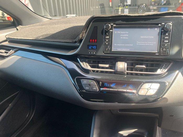 2017 Toyota C-HR NGX50R AWD White