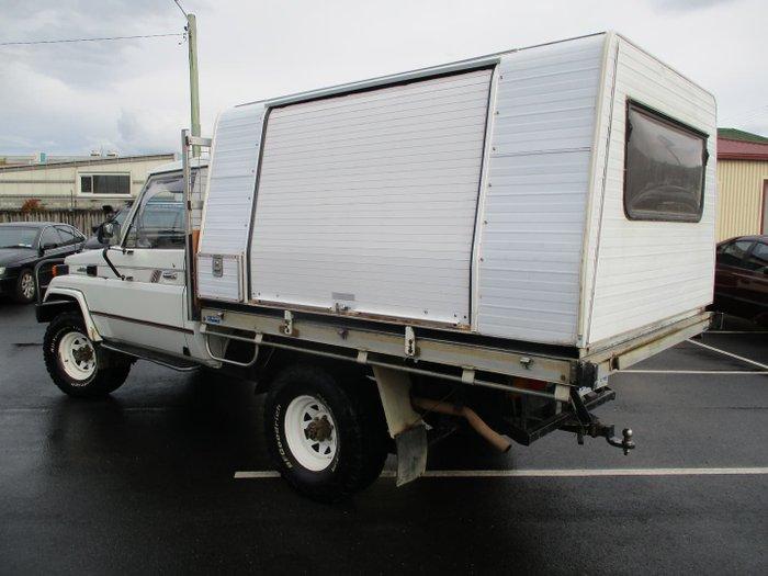 1990 Toyota Landcruiser HJ75RP White
