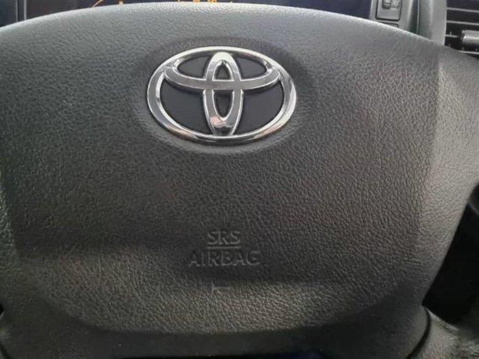 2017 Toyota Hiace KDH201R French Vanilla